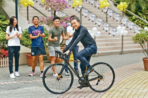 浸大校長錢大康將率領逾百名師生參加下月舉行的香港單車節。