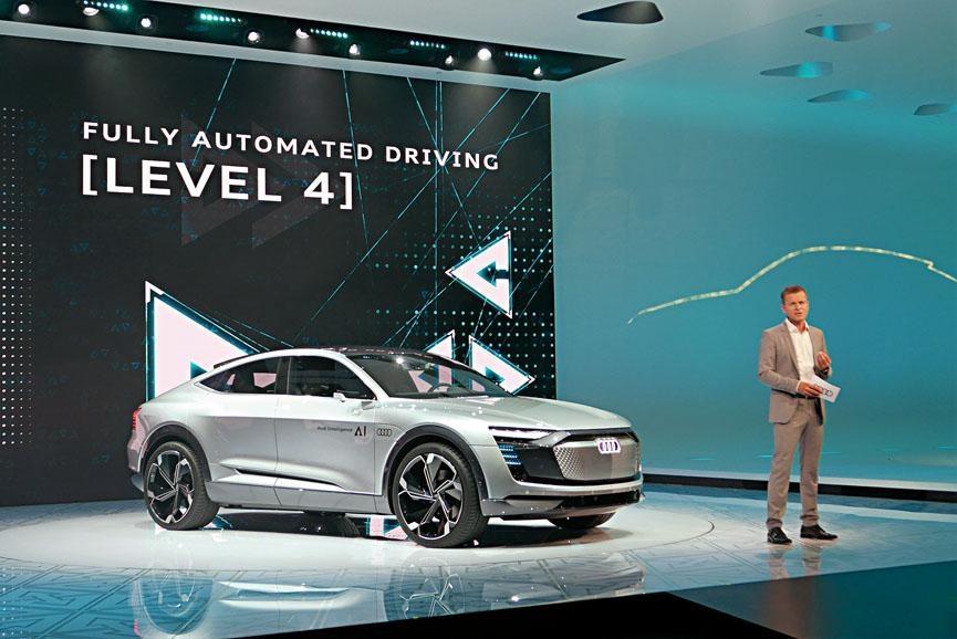 奧迪Elaine電動概念車,演變自今年4月上海車展發表的e-Tron Sportback,何解叫Elaine?因名字包含了AI(Audi Intelligence)兩個字。
