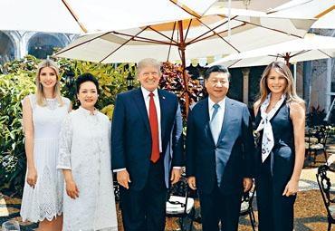 習近平今年四月在美國與特朗普舉行莊園會談,左一為特朗普的女兒伊萬卡。