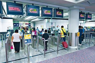旅客可在e-道透過容貌辨識系統核實身分,自助離境。