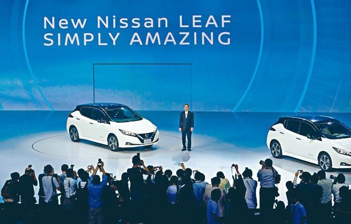 日產車廠主席及CEO西川廣人,向傳媒介紹新一代Leaf的特色。