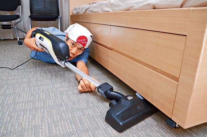 獨有的吸塵導管可以隨時伸縮,效率更高。