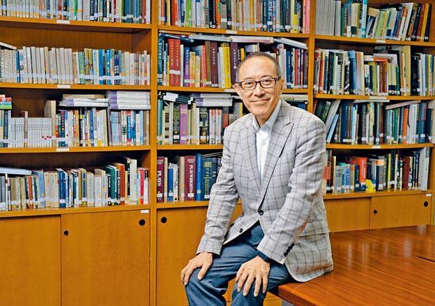 為了《父親》,毛俊輝再次回到香港話劇團大家庭。
