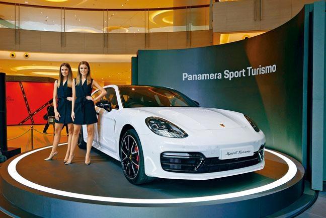 全新Panamera Sport Turismo早前假Elements圓方商場舉行新車登場儀式。
