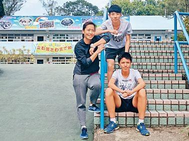 羅家俊(後)和楊啟賢(前)在徐韶華鼓勵下參加「街跑少年」,不僅一改往日劣行,甚至找到人生目標。
