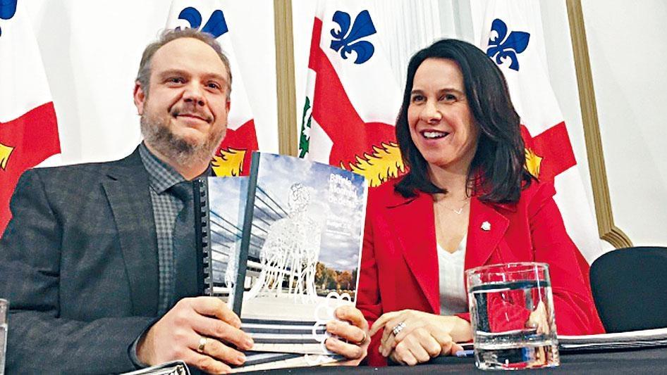 滿地可市長普蘭特(右)大幅加稅,受到抨擊。CBC電視圖片