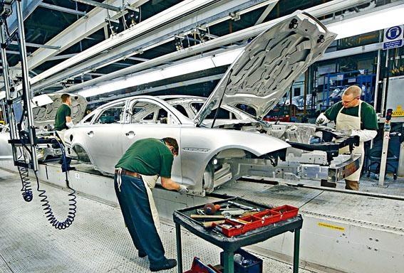 ●鋁合金車身最大優點,是較鋼鐵輕巧和剛硬。