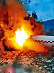■火箭助推器殘骸墜民居起火。