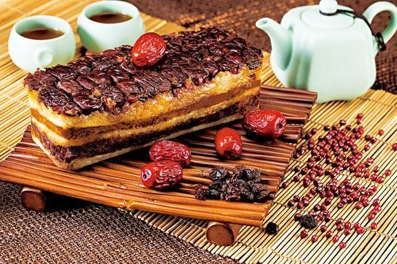 如意吉祥甑糕以古老的甑製作而成,黏口煙韌,是今年的話題作。