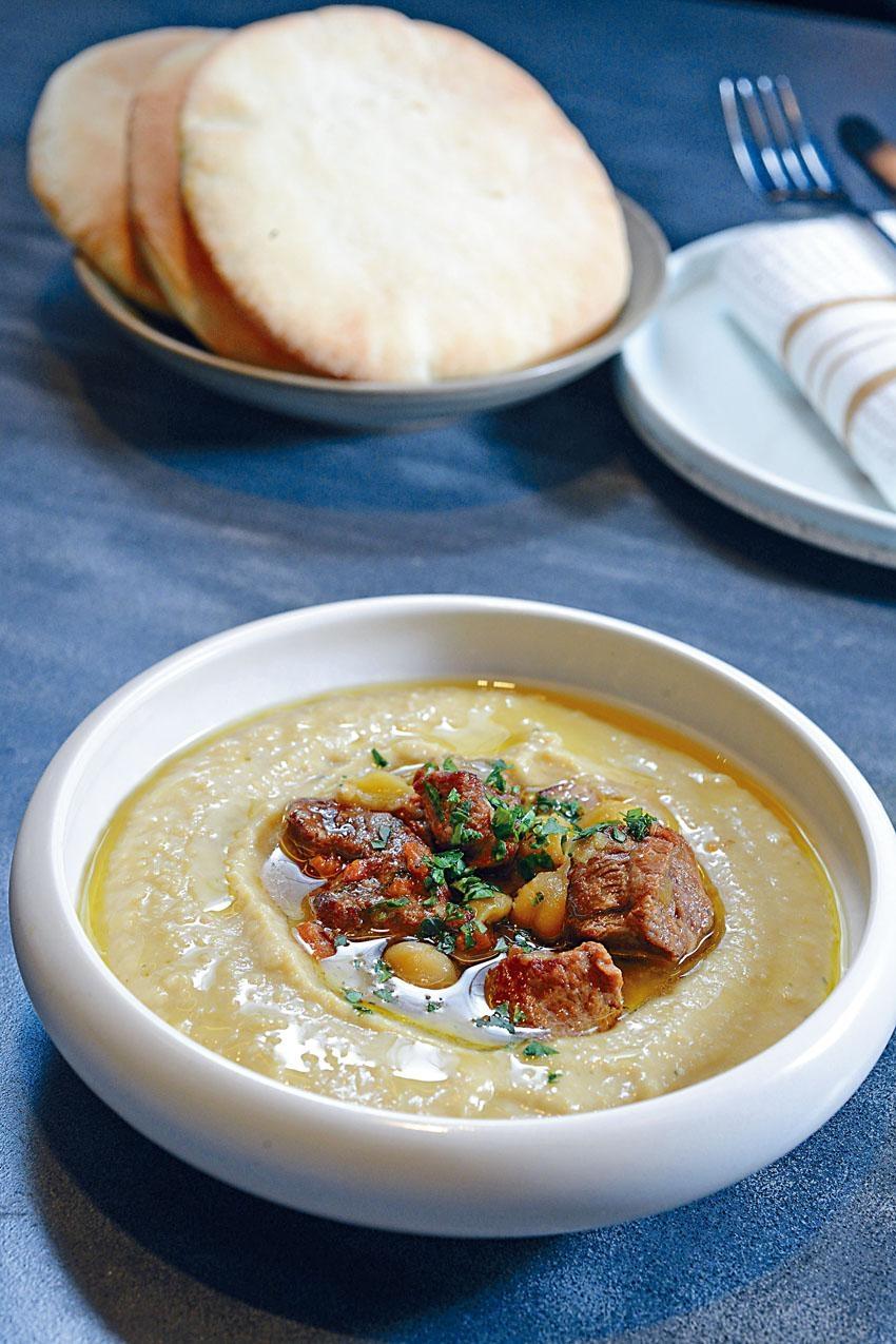 Hummus內鷹嘴豆蓉口感綿軟充實,可配中東包品嘗。