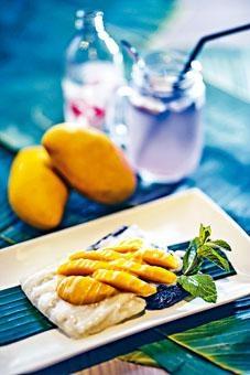 ●香芒黑白糯米,香甜芒果配上黑、白雙色糯米,賣相精緻。