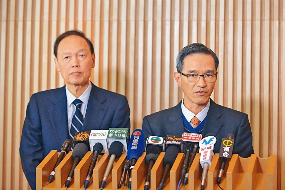 黃遠輝表示小組承諾會按原定時間完成報告。