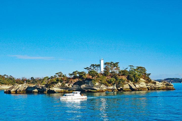 乘坐觀光船便可賞遍松島灣美景。