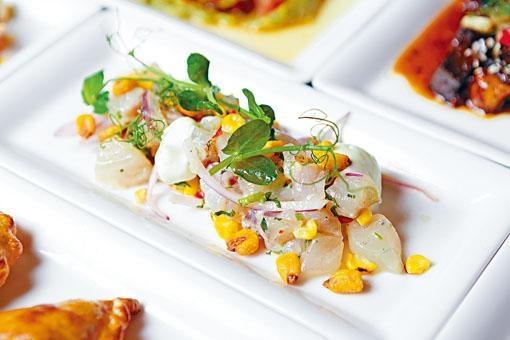 ●檸汁醃生鱸魚粒,清新開胃的鱸魚粒,搭配香檳,是周末最佳享受。