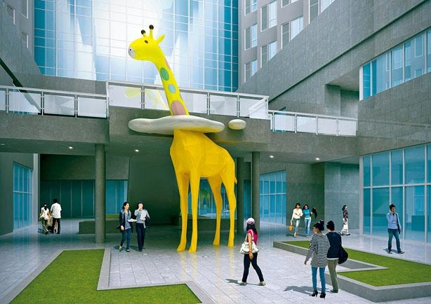 可愛又巨大的長頸鹿將空降港威大廈展覽大堂II,此乃盧濬的藝術作品。