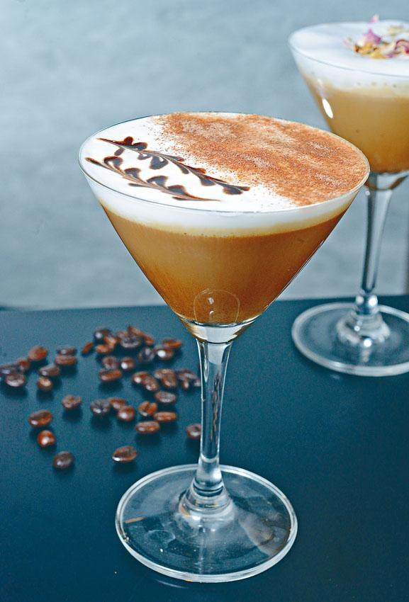 Bitter Love選用80%純朱古力,入口濃厚,但保留一定咖啡香味。