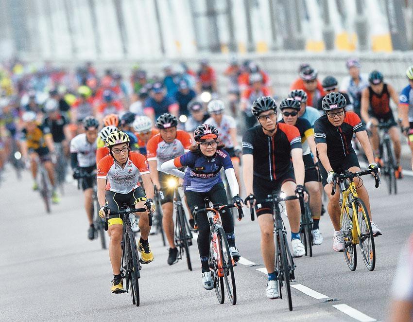 近年單車運動潮流興起,不論越野單車或公路單車都大受歡迎。