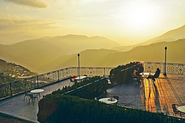 ●大觀景平台是看日落好地方。