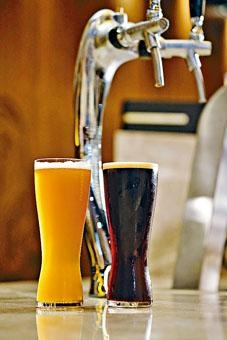 ●最新推出兩款咖啡精釀啤酒,屬香港限定供應。(各\$78)