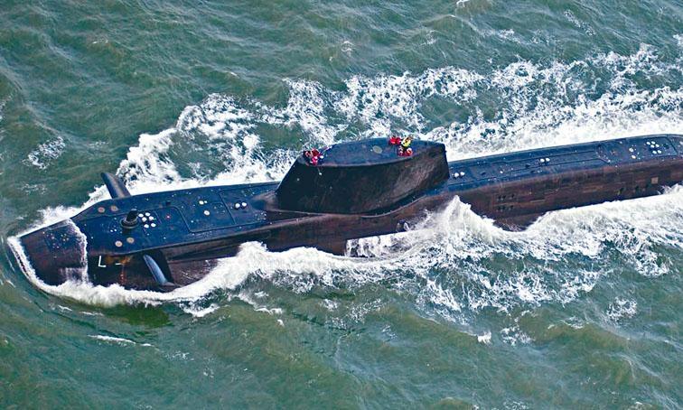 文翠珊下令配備導彈的英軍攻擊潛艇部署在地中海。