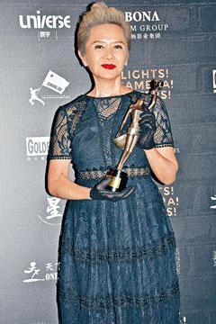 葉德嫻希望拍一些較嚴肅及有意義的電影。