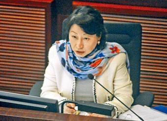 ■律政司司長鄭若驊表示,二十三條立法是政府的憲制責任,由特首作決定。