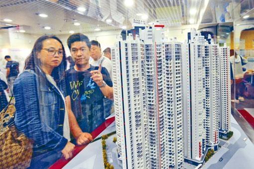■黃遠輝同意房委會應該再作檢視居屋售價安排。