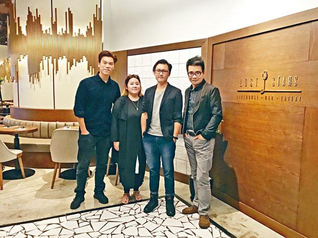 (左起)梁迪倫、Natty、馮璟康和筆者合影。