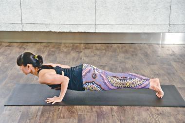 簡易瑜伽第二課︰鱷魚式