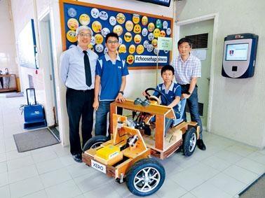 沙田循道衞理中學兩位中三學生于皓哲和區永耀,以近半年時間製作一輛電動車。校長何振傑和俞戩駿主任希望兩人可啟發其他學生。