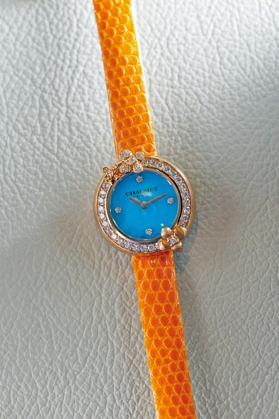 Hortensia Eden玫瑰金腕表,表面為綠松石,最特別是用上橙色蜥蜴皮表帶,售價$115,000。