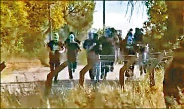 士砵亭球迷周二蒙面闖進球隊訓練基地向職、球員施襲。