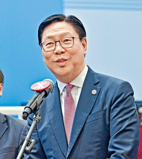 港鐵主席馬時亨滿意去年公司表現。