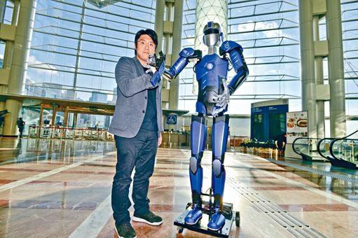 麥鶱譽研發的ME-1機械人,可勝任高危險性的工作。