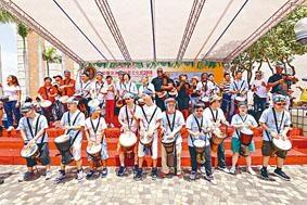 來自不同團體組織的千人組合,於尖沙嘴合奏非洲鼓,刷新健力士世界紀錄。