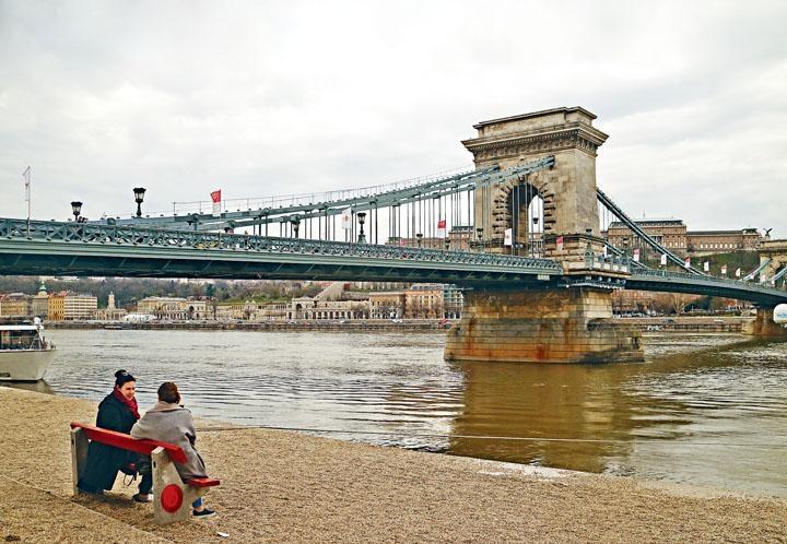 ●鏈橋是布達佩斯的頭號景點。