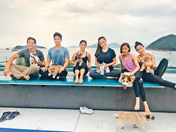 泳兒與一眾名人嘉賓參與救狗活動。
