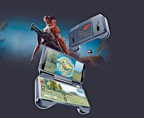 ROG Phone裝上TwinView Dock後,可以兩個熒幕來顯示不同的遊戲畫面。