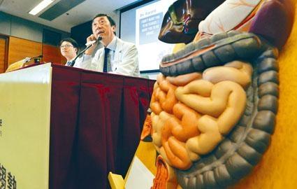 中大教授沈祖堯指,除大腸癌外,乳癌、胰臟癌、前列腺癌等亦與肥胖有關,市民應注意飲食,及早預防。
