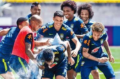 巴西愈來愈注重前場逼搶。