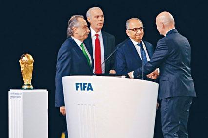 國際足協主席恩芬天奴向美加墨三國足協主席表達恭賀。