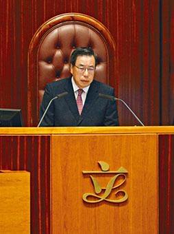 ■梁君彥主持「一地兩檢」條例草案會議的手法,引起民主派等議員不滿。