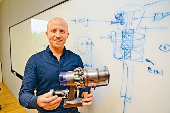 Dyson吸塵機工程主管Kevin Grant表示,他每天都在解決問題,工作充滿挑戰性!