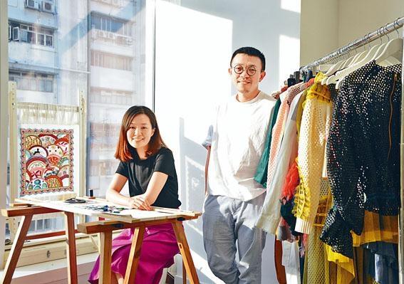 本地時裝品牌YLY Studio,由兩位年輕設計師Lilian和Matt創立,他們曾參與王菲、陳奕迅、莫文蔚的演唱會服裝設計工作。