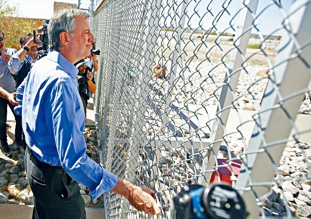 白思豪上月到德州邊境視察。美聯社