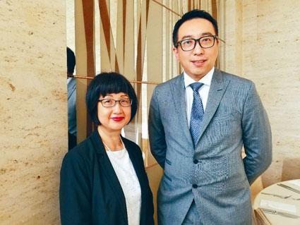 新華旅遊總經理蘇子楊表示,不會即時向顧客收取印花費。