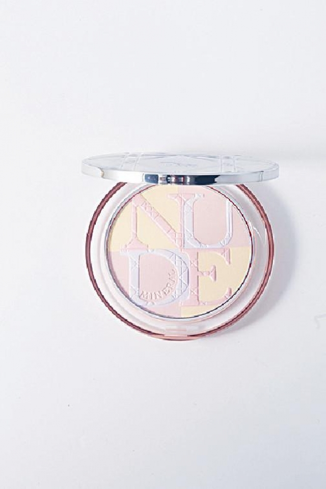 Dior Diorskin Mineral Nude Glow #03 Candy Love $440