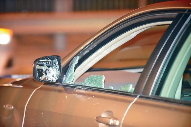 ■探員向疑犯車輛開兩槍,打中側鏡,子彈反彈穿過玻璃,擊中司機。