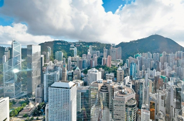 ■中銀香港、滙豐、恒生及渣打香港等七間銀行,昨晚齊齊上調新做按揭息率10至20點子。