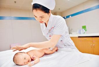 ■專家預料明年中國將全面開放生育政策。
